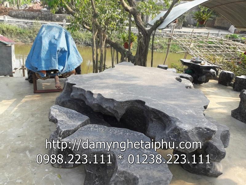 Bàn ghế đá Tài Phú