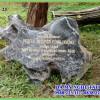Bia đá lưu niệm trồng cây lưu niên