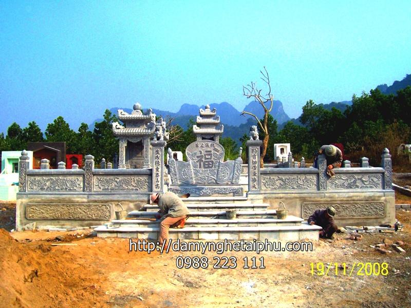 Lang mo da 2 Mẫu lăng mộ đá 2 của Công ty TNHH Đá mỹ nghệ Tài Phú, là mẫu lăng mộ đá được sử dụng rất nhiều cho các dòng họ gần đây.