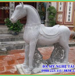Con ngựa đá – Tượng ngựa đá 01