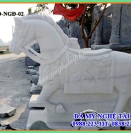 Mẫu ngựa đá trắng 02