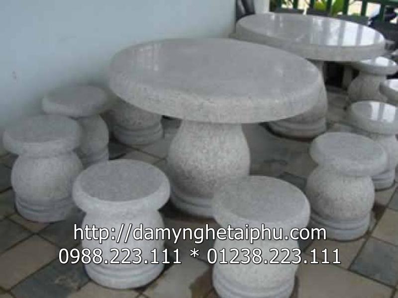 Bàn ghế đá 6