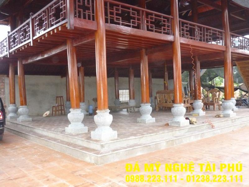 Chân cột đá tại Khánh Hòa