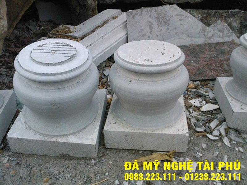 Chân cột đá tại Hậu Giang
