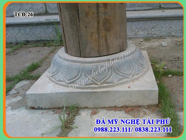 Chân cột đá