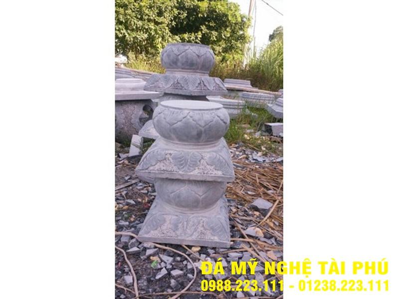 Chân cột đá tại Ninh Bình