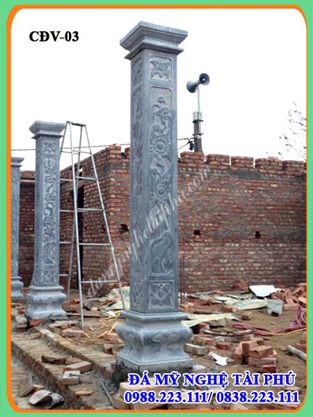 cột vuông đá nhà thờ
