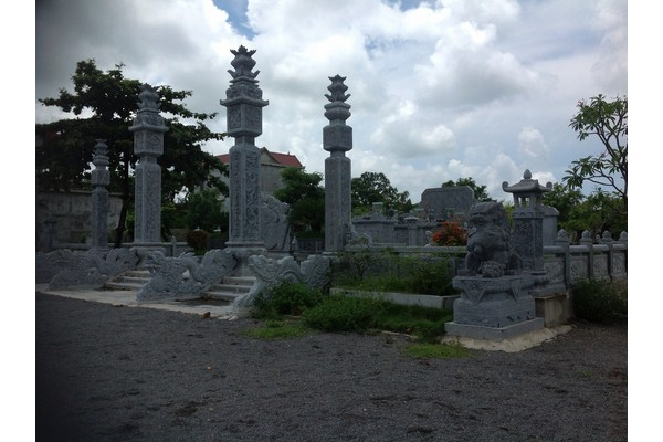 Làm cột đá nhà thờ họ tại Vũng Tàu