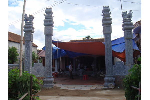 Làm cột đá nhà thờ họ tại Bạc Liêu