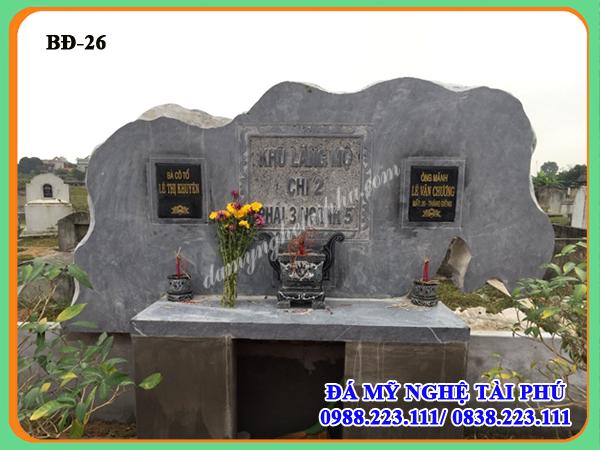 Bia thờ chung cho khu lăng mộ bằng đá tự nhiên