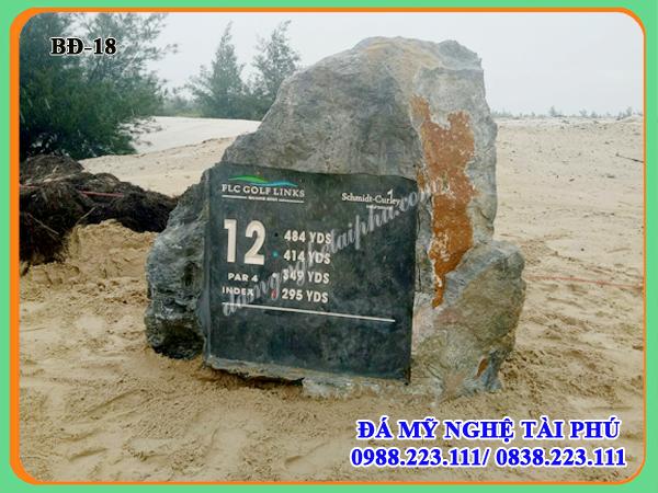 Biển đá chỉ đường 18-Tập đoàn FLC Quảng Bình