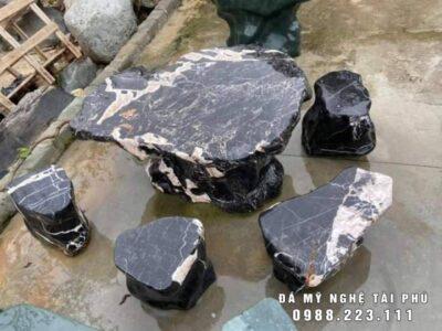 Giá Bàn ghế đá tự nhiên tại Ninh Bình cho Sân vườn, Biệt thự, Nhà hàng ?