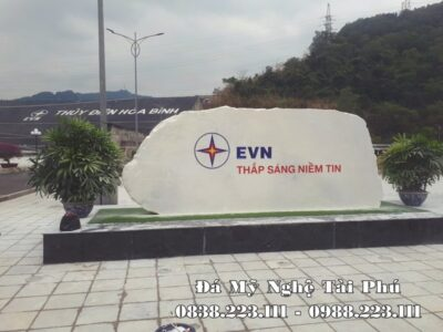 Đặt Bia đá tự nhiên, đá trắng nguyên khối cho EVN Việt Nam tại Hòa Bình