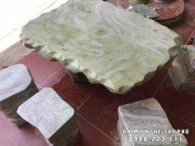 Bàn ghế đá tự nhiên bằng đá xanh cẩm thạch cao cấp Tài Phú