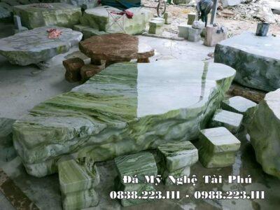 Mẫu Bàn ghế đá tự nhiên cao cấp, đá xanh ngọc vân gỗ